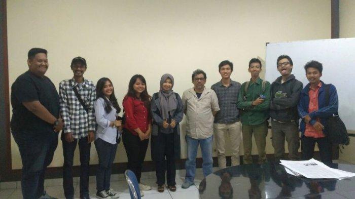 BERITA FOTO: Mahasiswa Jurnalistik Universitas Langlangbuana Berkunjung ke Tribun